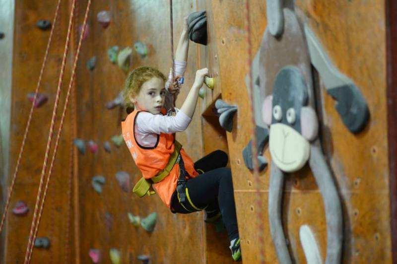 Hogyan fejleszti a gyerekek képességeit a falmászás? I. rész